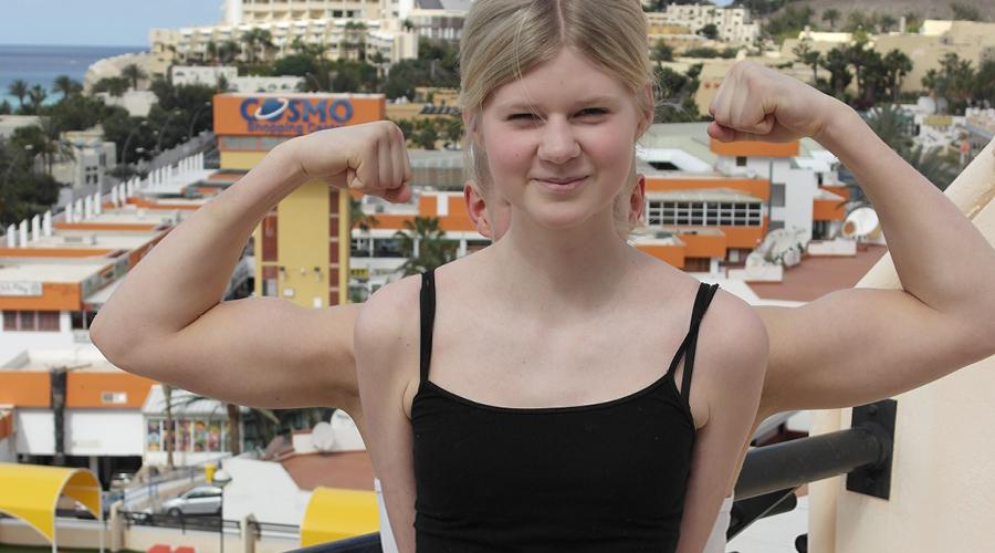 På bilden: Evelina på sin egen Stora Dag på Fuerteventura